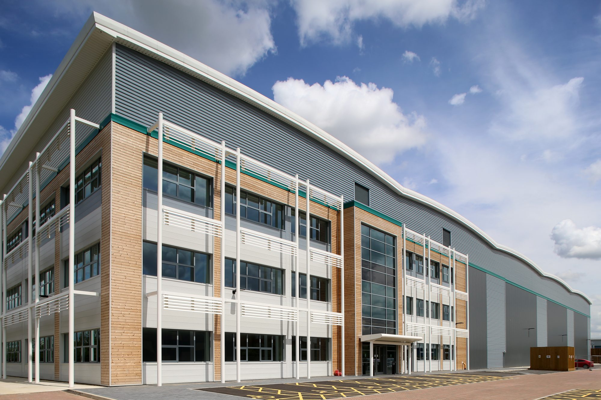 DC2 PROLOGIS PARK DUNSTABLE RATED BREEAM 'OUTSTANDING'